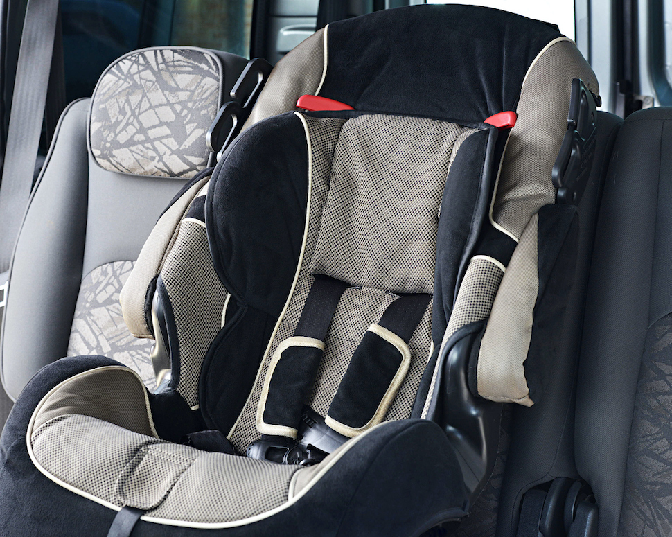 Child-Restraint-in-Middle-Rear-Seat
